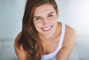 What can a cosmetic dentist in Bloomfield Hills do for me?